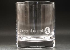firemní skleničky na whisky s vybroušeným logem
