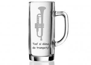 dárek s hudebním motivem, hláškou a trumpetou