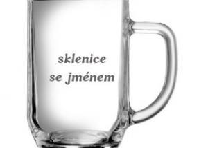 sklenice se jménem