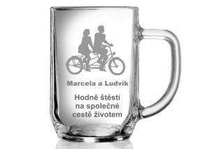 sklenice pro novomanžele, svatební dar od svědka