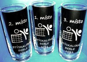 pivní sklenice jako sportovní turnajové poháry