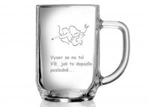 vtipná garvírovaná sklenice s motivem anděla pro kamaráda