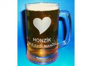 Dar pro manžela na Valentýna - sklenice se jménem a srdcem