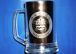 sklenice na pivo s hasičským logem - dar pro hasiče