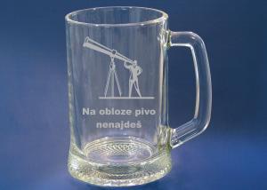 gravírovaná sklenice na pivo s motivem na přání pro astronoma, hvězdáře