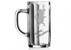 užitečný dar pro tchána - sklenice na pivo se jménem